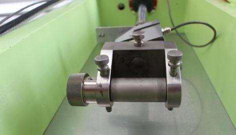 Fahrversuche: Eine Zugmaschine für Tests von Gurtbändern.