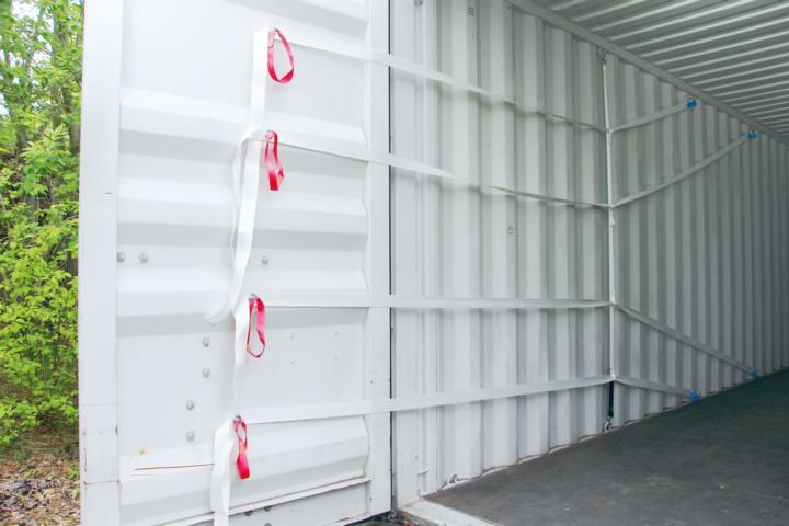 Pro Lash Flex 4.38 mit Haken eingesetzt im Container